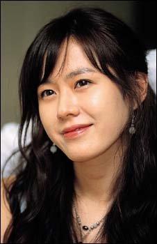 영화 '첫사랑 사수궐기대회'  '섹시녀' 손예진