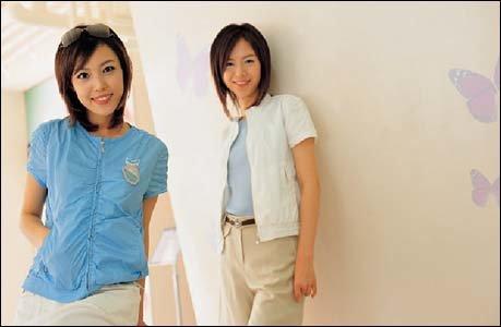 캡소매 티셔츠·7부 크롭트 팬츠·집업 점퍼