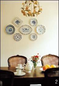 꽃무늬 벽지와 앤티크 가구로 꾸민 유럽풍 로맨틱 하우스