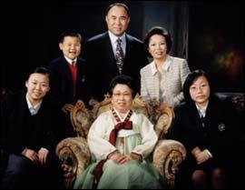 세계 최고의 외식업체 꿈꾸는 (주)제너시스 대표 윤홍근씨의 성공 스토리