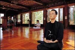바람난 아내·사업 실패 때문에 자살 기도 후 스님 되었다 환속한 시인 전형철