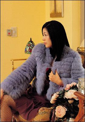 올겨울 더 화려하고 고급스러워졌다 Colorful Fur