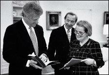 이혼 아픔 딛고 미국 최초 여성 국무장관으로 활약한 매들린 올브라이트