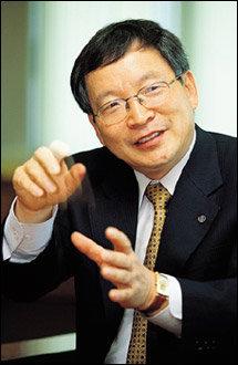 가난한 고학생에서 대기업 CEO로 변신 동원F&B 박인구 사장