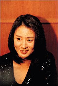'완전한 사랑'으로 '제2의 전성기' 누리는 톱스타 김희애