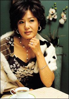 '천국의 계단'으로 8년 만에 브라운관 나들이한 연극배우 김지숙
