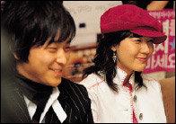 영화 '그녀를 믿지 마세요'에서 몸사리지 않는 코믹 연기 선보인 김하늘