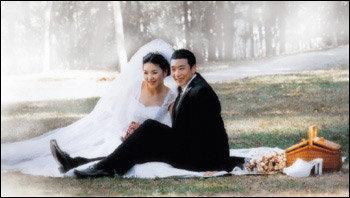 2년 열애 끝에 부부 연 맺은 프로축구 선수 최태욱·정혜령 부부