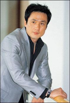 두편의 영화에서 조직폭력배로 열연하는 원조 꽃미남 손창민