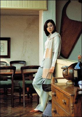 주부들의 패션 교과서 김희애 스타일 최종 분석