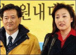 17대 총선 앞두고 나란히 대변인으로 발탁된 한나라당 전여옥 VS 열린우리당 박영선