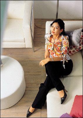 섹시하고 여성적인 매력이 물씬~ 김소연과의 패션 & 뷰티 토크