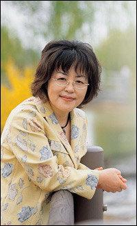 사랑의 환상 주제로 한 장편소설 펴낸 작가 김형경