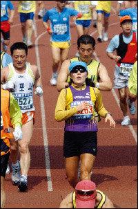 유방암 2기 선고받고 동아마라톤대회 풀코스 완주한 주부 손미경