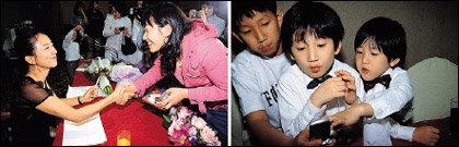 남편과 팬클럽 회원들이 마련한 생일상 받고 눈물 흘린 김희애