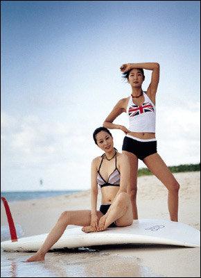 2004 여름, 화려하고 로맨틱한 수영복이 인기!