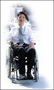 전신마비 장애의 몸으로 보험 영업 나선 김영주씨의 당찬 도전