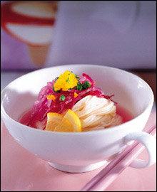 여름에 먹으면 더 맛있는 별미 국수