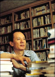10년간 투병하다 세상 떠난 아내에 대한 그리움 담은 시집 펴낸 김홍신