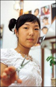 국제미용대회에서 대상 수상한 여중생 미용사 김경채