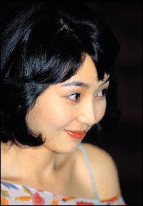 치과의사 겸 방송인 홍지호씨와 새로운 사랑 시작한 탤런트 이윤성
