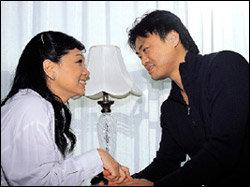 허니문 베이비 갖고 행복한 단꿈에 젖어 있는 원미연·박성국 부부