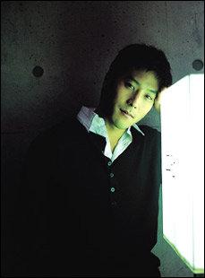 '아내의 반란'에서 완벽한 남자로 등장하는 신인 탤런트 김준성