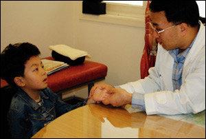 한의사 김규필 원장이 일러주는 '아이 척추 건강을 위해 꼭 알아두어야 할 것들'