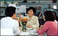 한국여성지도자 젊은지도자상 받은 긴급구호활동가 한비야