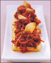 마늘 소스로 만든 향긋한 별미 요리