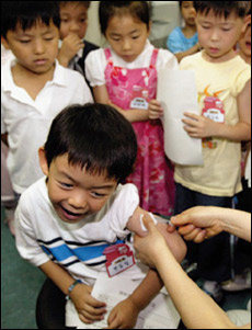 새 학기 앞두고 어린이 건강 위협하는 A형 간염 예방법