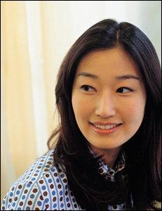 열두 살 연상 국제변호사와 결혼하는 탤런트 변정민