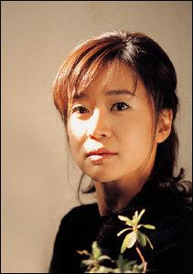 남자에게 상처받은 3명의 여인 연기하는 연극'바람의 키스' 배우 이항나