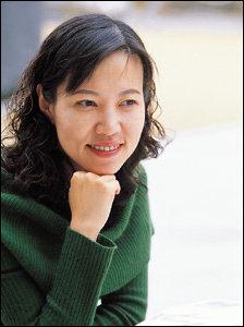 역사소설 '미실'로 1억원 상금 세계문학상 첫 수상자 된 김별아