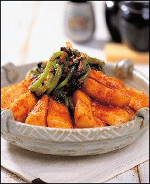 아삭아삭 맛있는 총각무김치 담그기