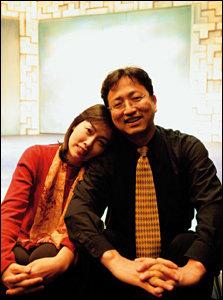 부부 심리치료극 '부부 쿨하게 살기'로 화제 모으는 의사 김준기·박찬 부부