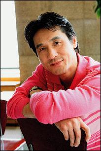 SBS 금요드라마 '사랑공감'에서 바람피우는 남편으로 등장하는 황인성