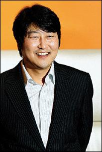 영화 '남극일기'로 1년 만에 스크린 복귀한 송강호