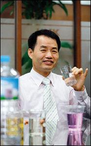 '좋은 물'의 중요성 알리는  KYK 물 과학연구소 소장 김영귀