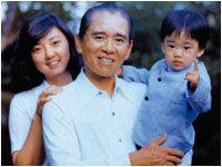 아버지 홍진기 회장의 남다른 자녀교육