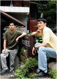 카페 '카드로 만든 집'에서 자립 의지 다지는 자폐증 두 청년 임이건·고경필