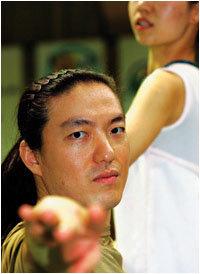 휠체어 댄스 대중화에 앞장서고 있는 국가대표 휠체어 댄서 김용우