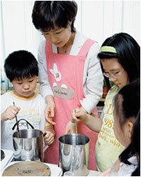 '여성동아'와 바세린 키즈가 함께 했어요 비누 만들기 교실