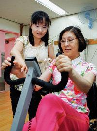 이봉주 주부의 시각장애인 돕기