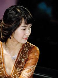 KBS 미니시리즈 '웨딩'으로 안방극장 컴백하는 명세빈