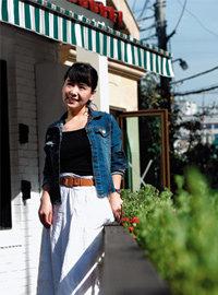 여자 연예인들의 문란한 사생활 다룬 실화소설 펴낸 가수 니나