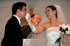 3년간 사귄 동갑내기 사업가와 결혼식 올린  조은숙