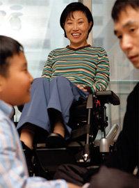 대한민국장애인 문학상에 당선된 척수마비 장애인 주부 이윤자