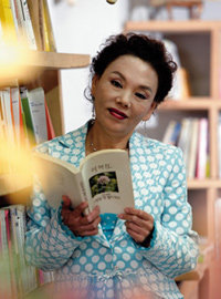 코믹 연기로 제 2의 전성기 맞은 중견 탤런트 김수미