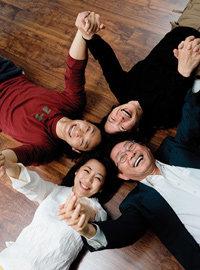 한무대에 서는 연극인 전무송 가족